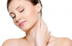 Làm sạch da mặt nhờn với sữa ong chúa tươi